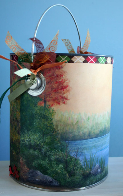 Moose_paint_can_backside