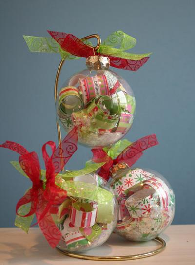 3_clear_christmas_ornaments_2