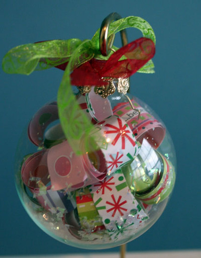 Clear_christmas_ornament