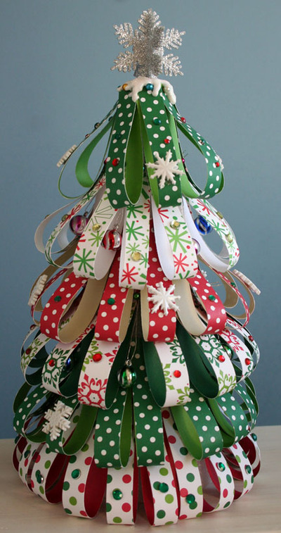 http://murdocks.typepad.com/polishedtoperfection/2007/10/christmas-tree-.html