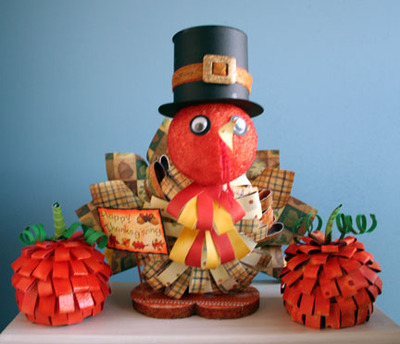 Paper_turkey_with_two_pumpkins