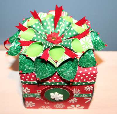 Christmas_exploding_box_with_bow