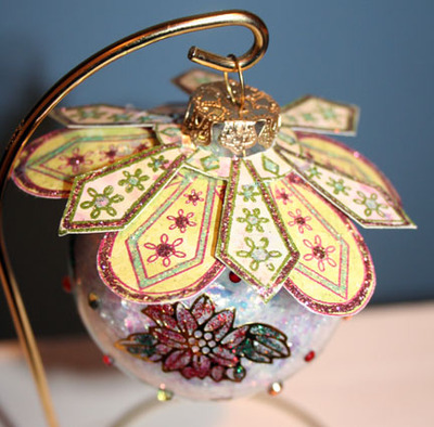 Outlines_ornament_topper_clear_with