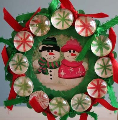 Peppermint_pebbles_wreath_front_vie