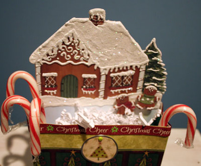 Gingerbreadhouse_tote_topview