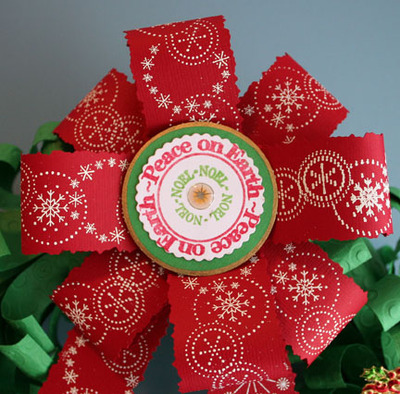Cuttlebug_wreath_closeup_of_bow